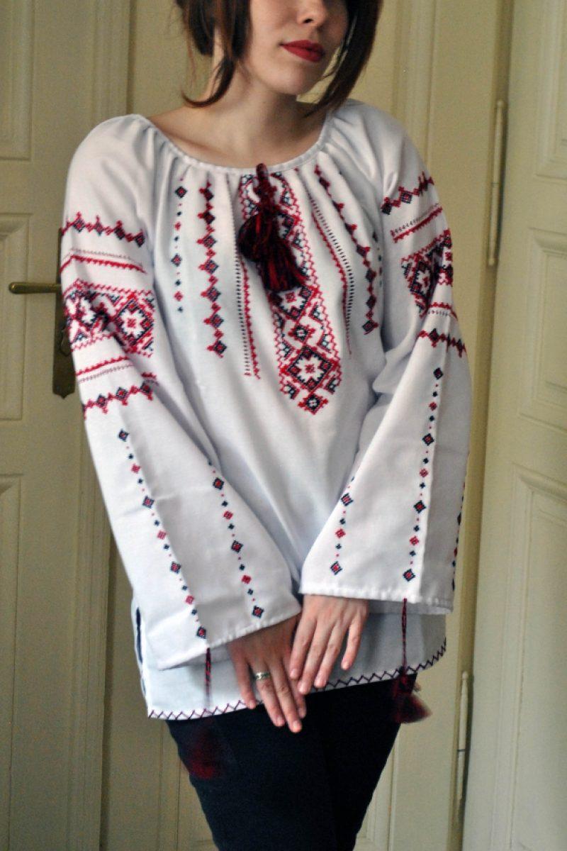 Класична жіноча вишита сорочка ручної роботи - Каталог рукоділля  131537 c868283a82ba7