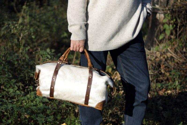 182d7e4289a9 Дорожная / спортивная сумка из шкуры коровы ручной работы - Каталог  рукоделия #156238