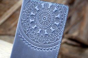 Обложка для паспорта кожаная темно-синяя коричневая  - Опис