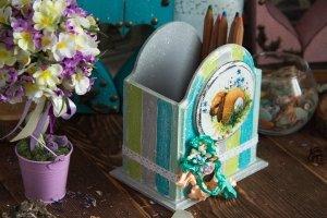 карандашница с кроликом - Опис