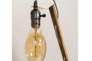 """Настільна лампа """"Pride&Joy"""" із натурального дерева - Опис"""