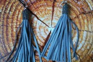 Робота Серьги кисти из кожи и японского бисера  Серебро 925
