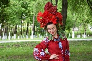 Вінок корона пишний червоний український вінок очіпок - ІНШІ РОБОТИ