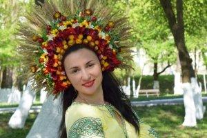 Робота Пишний український вінок очіпок квіткова корона