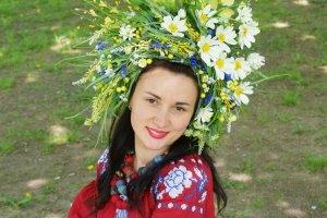 Робота Вінок пишний український польовий з ромашками