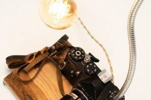 НАСТІЛЬНА ЛАМПА PRIDE&JOY Camera lamp 03GL - Опис