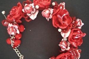 Робота Браслет с красными цветами