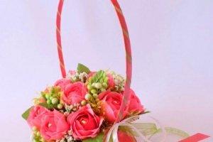 """Робота Композиція троянд з цукерок """" Солодкий аромат"""""""