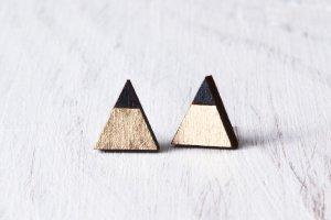 Робота сережки треугольники черный с золотом