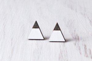 Треугольные серьги гвоздики, черно белые серьги - ІНШІ РОБОТИ