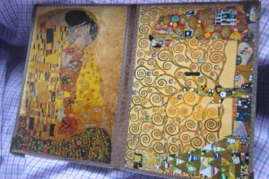 Работа Обложка на паспорт Г. Климт Две картины