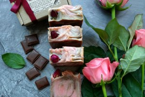 Натуральное мыло «Вишня в шоколаде»