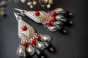 Червоні та чорні сережки з натуральним коралом та сріблом - Опис