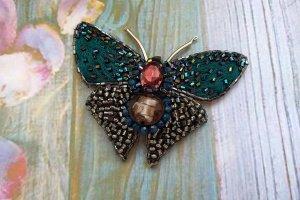 Робота Брошь бабочка из бисера