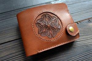 Робота Портмоне з кельтським вузлом (коричневе)