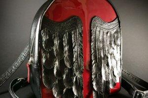 """Шкіряний рюкзак """"Black Maroon Wings"""" - Опис"""