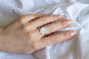 Робота Перстень S з місячним каменем