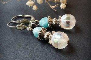 Робота Сріблясті сережки з голубим каменем