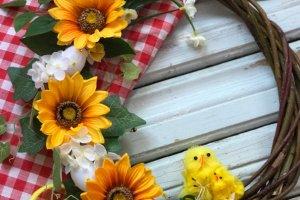 Робота Великодній вінок з соняшниками 2