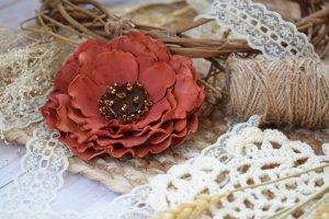 Квітка брошка  на подарунок заколка у волосся - ІНШІ РОБОТИ