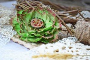 Робота Квітка брошка зелена на подарунок заколка у волосся