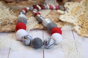 Робота Намисто валяне із шерсті бусы коралі біле червоне подарунок