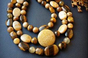 Робота Жовте намисто з коралу тигрового ока та яшми