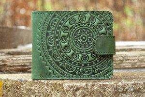 Робота маленький кожаный кошелек зеленый с орнаментом солнце