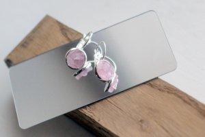Сережки петлі. Рожевий кварц насичений