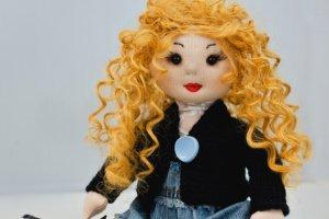 Лялька ручної роботи з волоссям