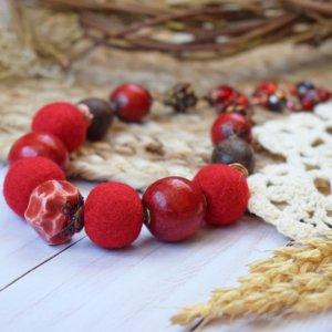 Робота Намисто валяне із шерсті з деревом  червоні коралі