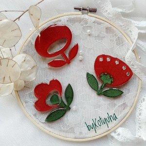 Робота Брошка - квітка темно червона