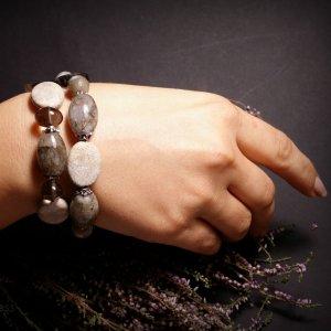 Робота Сіро білий браслет з коралу та агату
