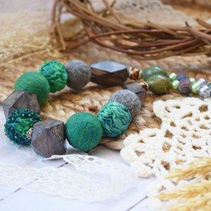 Намисто валяне із шерсті з деревом буси зелені коралі