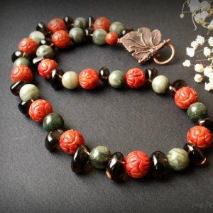 Робота Червоне зелене намисто з коралу та яшми