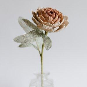 Цветок пион из бисера