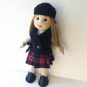 Лялька дівчинка в берете, хендмейд