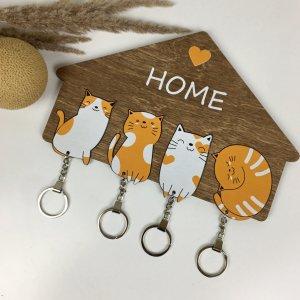 Оригінальна дерев`яна ключниця з милими котиками