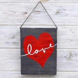 Табличка «Love»