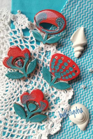 Брошка Квітка чевоно-блакинта або Спогади про море